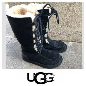 UGG Whitley Black Suede Lace Up Boots Sz 6.